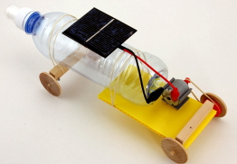solar toy built with water bottle
